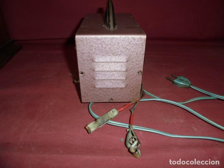 Cámara de fotos: magnifico antiguo cargador de bateria de flahs,de la marca OHM - Foto 5 - 213458386