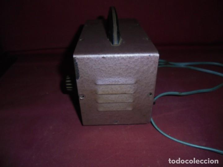 Cámara de fotos: magnifico antiguo cargador de bateria de flahs,de la marca OHM - Foto 8 - 213458386