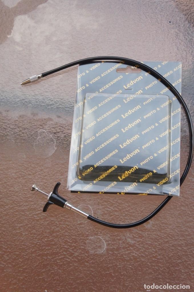 CABLE DE DISPARO CON RETENCION, METÁLICO. (Cámaras Fotográficas Antiguas - Objetivos y Complementos )