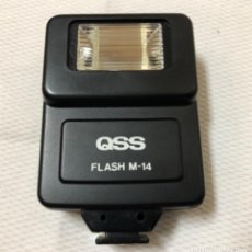 Cámara de fotos: QSS , FLASH M-14 NÚMERO GUÍA 14 A100 ISO CON INDICADOR DE CARGA LUMINOSO A PILAS FÁCIL MANEJO .. Lote 218015556