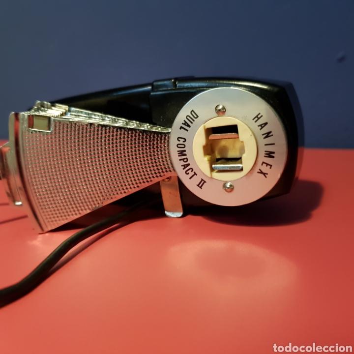 Cámara de fotos: Antiguo flash de abanico Hanimex dual compact II con su funda. - Foto 9 - 222051182