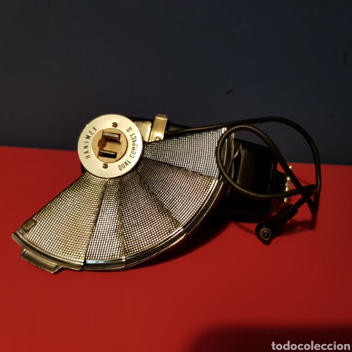 Cámara de fotos: Antiguo flash de abanico Hanimex dual compact II con su funda. - Foto 12 - 222051182