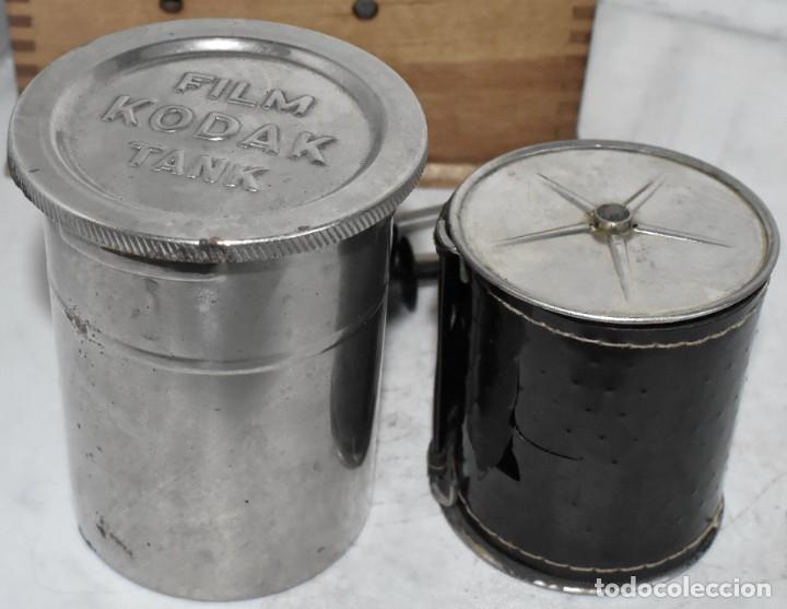 Cámara de fotos: EQUIPO DE REVELADO PORTATIL..KODAK TANK, COMPLETO Y EN MUY BUEN ESTADO..USA 1907/1915.DEBE FUNCIONAR - Foto 10 - 224229383