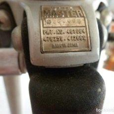 Cámara de fotos: TRIPODE SLIK MASTER (MADE IN JAPAN) TAL COMO SE VE EN LAS FOTOS. Lote 224620118