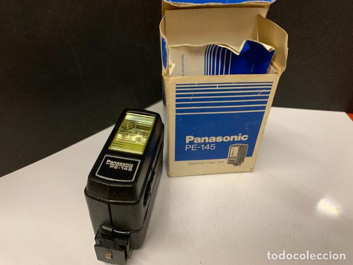 Cámara de fotos: ANTIGUO FLASH PANASONIC PE-145 para camara fotografica. en caja original e instrucciones - Foto 3 - 225359640