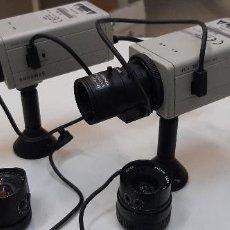 """Cámara de fotos: LIQUIDACIÓN DE DOS CAMARAS DE VIGILANCIA COMO NUEVAS + MONITOR 14 """" + 2 OPTICAS GRAN ANGULAR. Lote 228985245"""