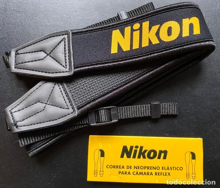 NIKON - CORREA DE NEOPRENO ELÁSTICO PARA CÁMARA REFLEX Y PIN NIKON (Cámaras Fotográficas Antiguas - Objetivos y Complementos )
