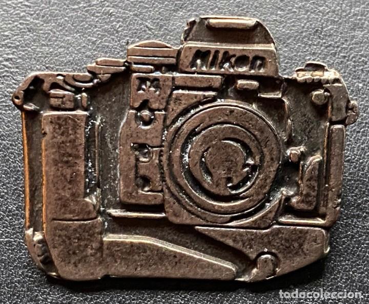 Cámara de fotos: NIKON - CORREA DE NEOPRENO ELÁSTICO PARA CÁMARA REFLEX y PIN NIKON - Foto 2 - 240213745