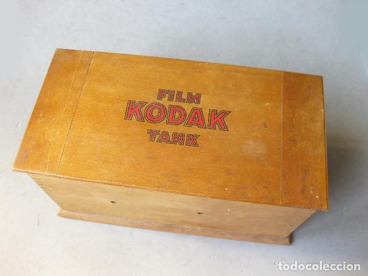 Cámara de fotos: CAJA DE MADERA O TANQUE DE REVELAR FILM KODAK TANK - Foto 2 - 241244575