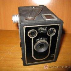 Cámara de fotos: CAMARA FOTOGRAFICA PAL JR 120 BOX. Lote 26692682