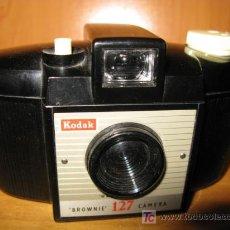 Cámara de fotos: CAMARA FOTOGRAFICA KODAK BROUNIE - 127. Lote 20743632