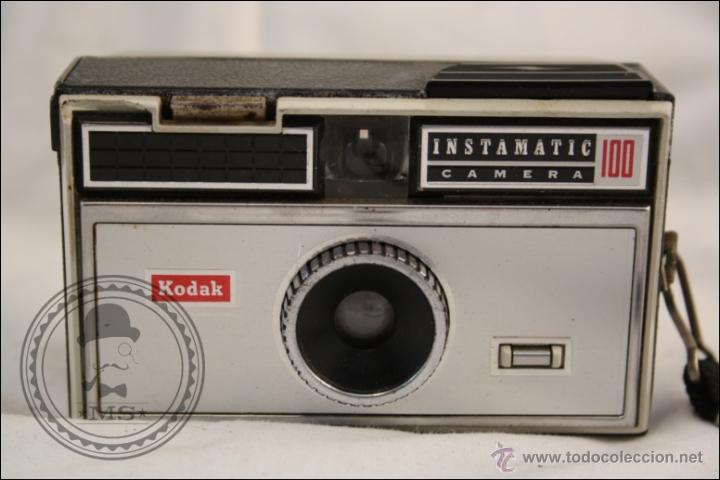 Cámara de fotos: Antigua Cámara Fotográfica Compacta - Instamatic 100. Kodak - 1963 - Fabricada en Inglaterra - Foto 2 - 42983234