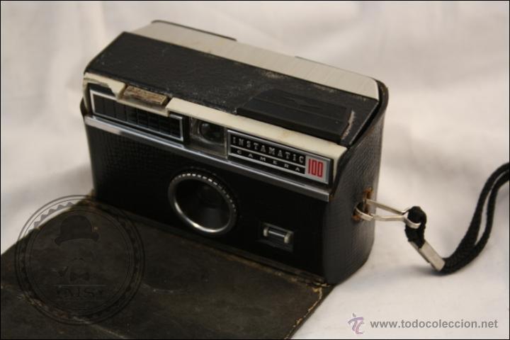 Cámara de fotos: Antigua Cámara Fotográfica Compacta - Instamatic 100. Kodak - 1963 - Fabricada en Inglaterra - Foto 9 - 42983234