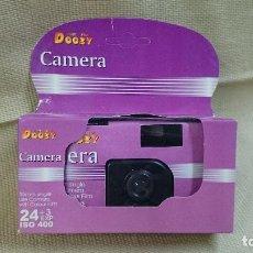 Cámara de fotos: CÁMARA DE UN SOLO USO DOOZY. Lote 82133116