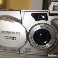 Cámara de fotos: OLYMPUS DIGITAL COMPACTA C-300 ZOOM 2.8X ÓPTICO 10X DIGITAL. Lote 128326379