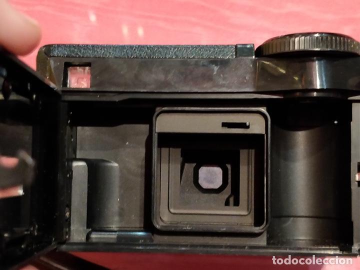 Cámara de fotos: Lote de 3 cámaras KODAK INSTAMATIC, 233, 200 POCKET y 25, fundas originales. - Foto 11 - 141297206