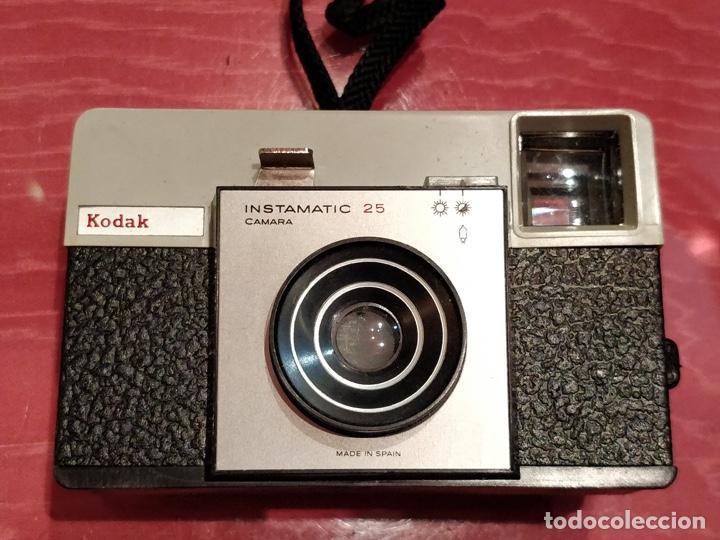 Cámara de fotos: Lote de 3 cámaras KODAK INSTAMATIC, 233, 200 POCKET y 25, fundas originales. - Foto 13 - 141297206