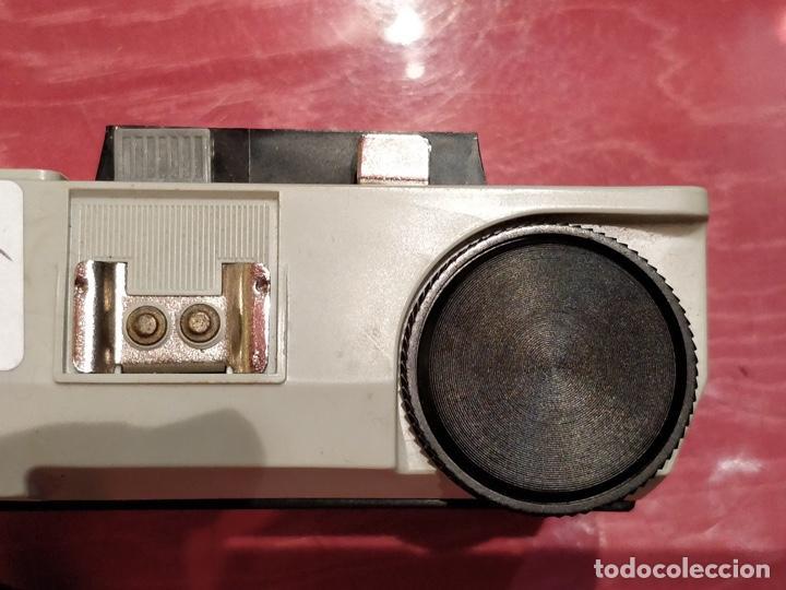 Cámara de fotos: Lote de 3 cámaras KODAK INSTAMATIC, 233, 200 POCKET y 25, fundas originales. - Foto 14 - 141297206