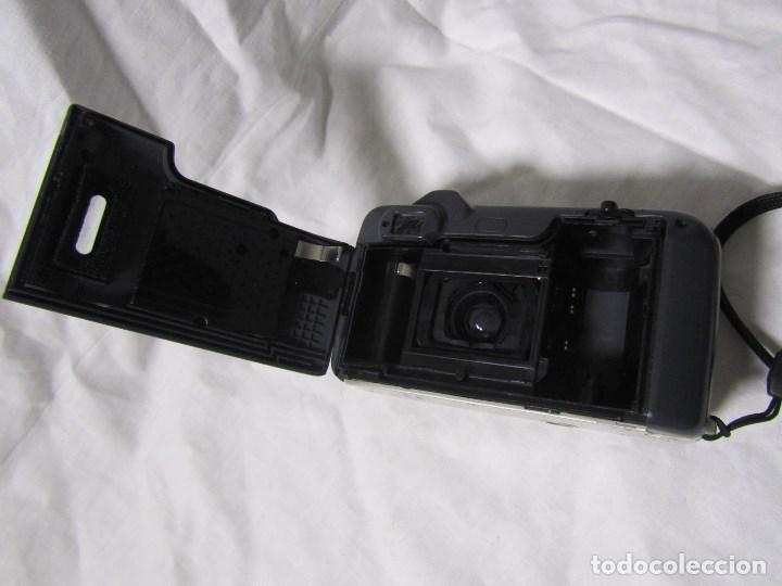 Cámara de fotos: Máquina fotográfica Yashica Zoomate Camera 140 Kyocera. Funda original - Foto 9 - 145287162