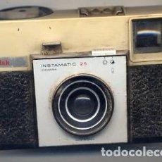 Cámara de fotos: CAMARA KODAK INSTAMATIC 25 - FOTO ADIC. Lote 150639618
