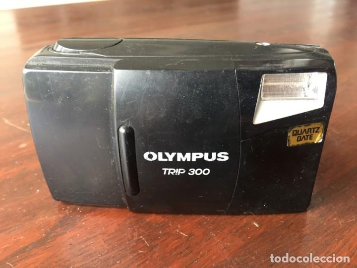 CÁMARA FOTOGRÁFICA OLYMPUS TRIP 300 AÑO DE FABRICACIÓN 1994, QUARTZ DATE (Cámaras Fotográficas - Panorámicas y Compactas)