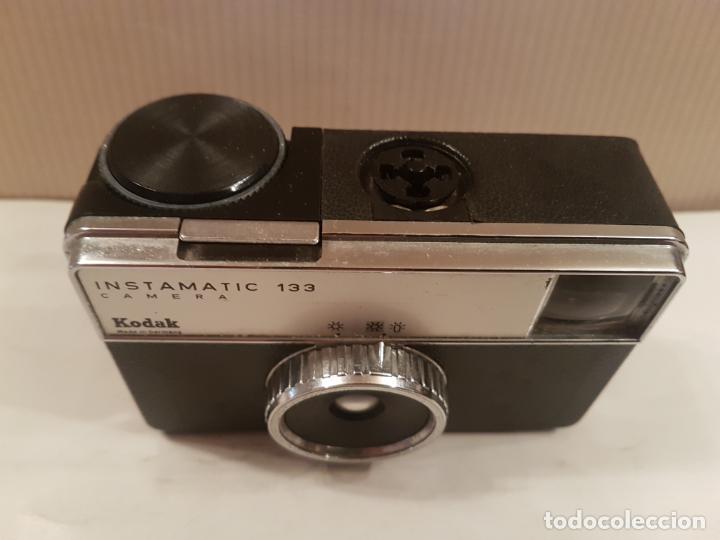 Cámara de fotos: antigua camara kodak instamatic 133 camera buen estado ver fotos - Foto 3 - 195322701