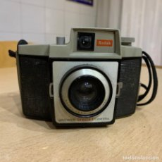 Cámara de fotos: KODAK BROWNIE CRESTA 3. Lote 198983438
