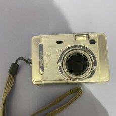 Cámara de fotos: CÁMARA PENTAX OPTIO S50. FUNCIONA CON 2 PILAS Y TIENE PARA TARJETA DE MEMORIA. Lote 275515558