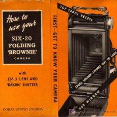 Cámara de fotos: MANUAL DE INSTRUCCIONES CAMARA KODAK: HOW TO USE YOUR SIX-20 FOLDING ´BROWNIE´. Lote 21417441