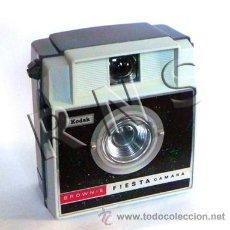 Cámara de fotos: ANTIGUA CÁMARA DE FOTOS KODAK BROWNIE FIESTA AÑOS 60 - FOTOGRÁFICA FOTOGRAFÍA MÁQUINA DE COLECCIÓN. Lote 38183796