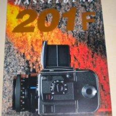 Cámara de fotos: FOLLETO PUBLICIDAD HASSELBLAD - BÍPTICO TAMAÑO DIN A4 ESPAÑOL. Lote 30498919
