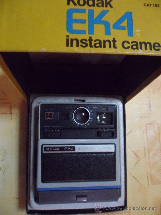 CAMARA KODAK INSTANT EK4 EN SU CAJA ORIGINAL MADE IN USA 1976 COMO SE VE FOTOS (Cámaras Fotográficas - Otras)