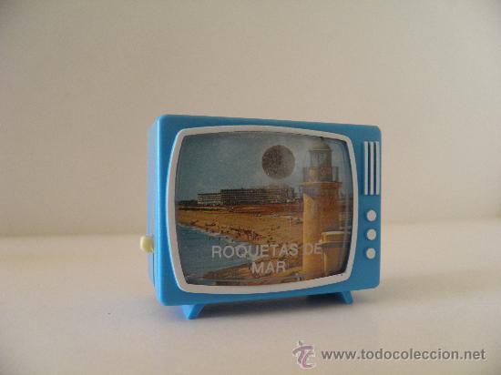 TELEVISOR CON VISOR DE DIAPOSITIVAS CON VISTAS DE ROQUETAS DE MAR, ALMERÍA. 5,7X 4,7X 2,7 CM. (Cámaras Fotográficas - Visores Estereoscópicos)