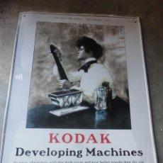 Cámara de fotos: CHAPA METALICA PUBLICIDAD CAMARAS KODAK SIN DESPRECINTAR. Lote 109295218