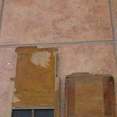 Cámara de fotos: 2 PLACAS MADERA CAMARA FOTOGRAFÍA ANTIGUA. Lote 39293057