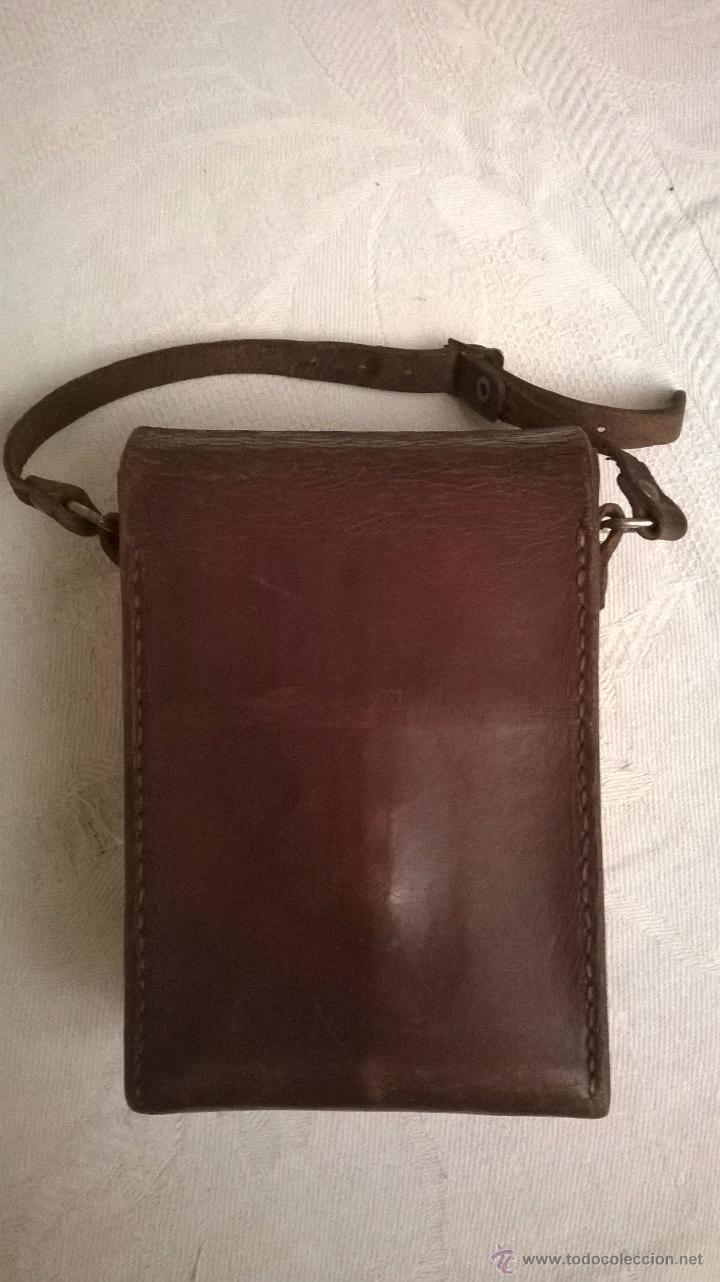 Cámara de fotos: Funda de cuero marrón de una cámara fotográfica de fuelle, antigua - Foto 5 - 53480057