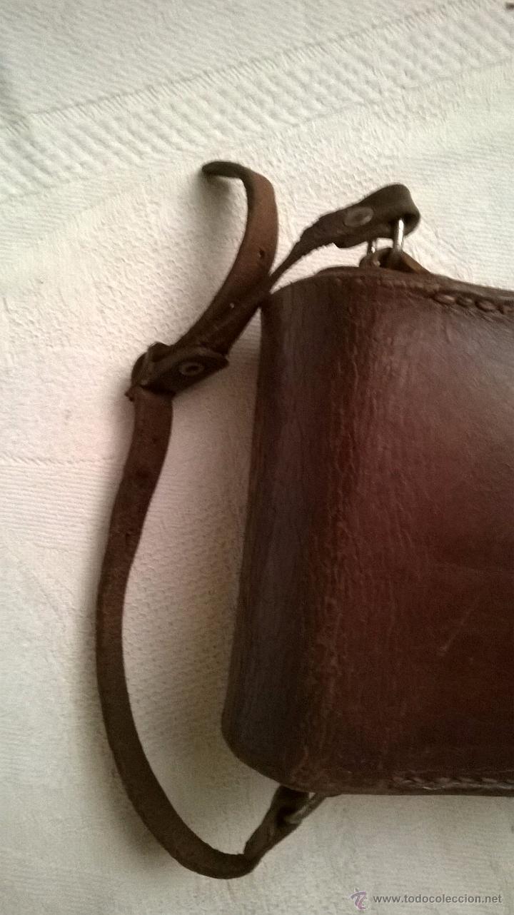 Cámara de fotos: Funda de cuero marrón de una cámara fotográfica de fuelle, antigua - Foto 6 - 53480057