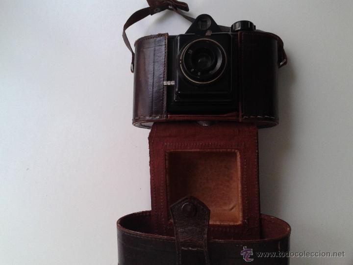 Cámara de fotos: ANTIGUA CAMARA FOTOGRAFICA DE BAQUELITA MARCA WINAR - Foto 8 - 52268722