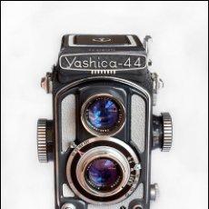 Cámara de fotos: YASHICA 44. PEQUEÑA GRAN CÁMARA BIFOCAL JAPONESA DE 1958. EN ÓPTIMO ESTADO DE CONSERVACIÓN.. Lote 53093446