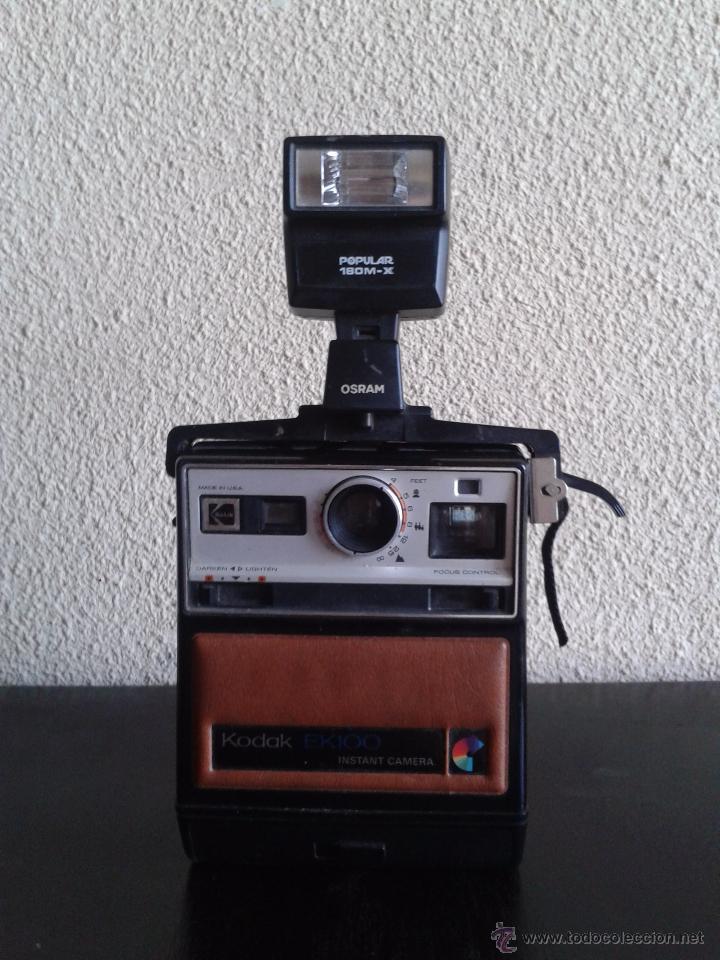 Cámara de fotos: Cámara Kodak EK 100 con flash de Osram. Años 70. Cámara vintage. - Foto 2 - 54061945