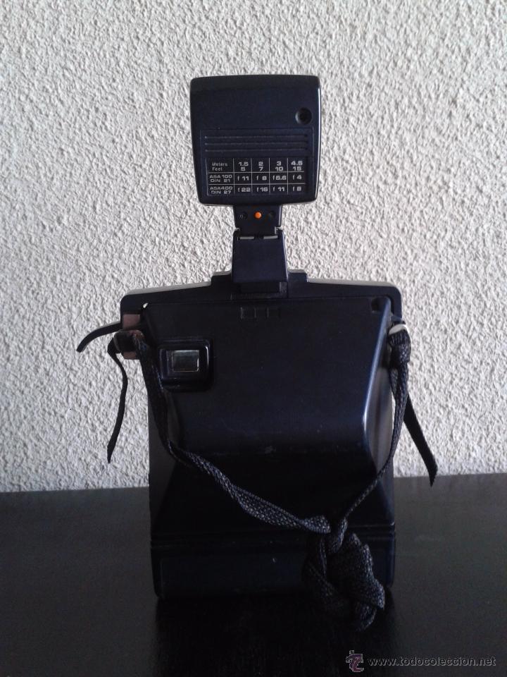 Cámara de fotos: Cámara Kodak EK 100 con flash de Osram. Años 70. Cámara vintage. - Foto 3 - 54061945