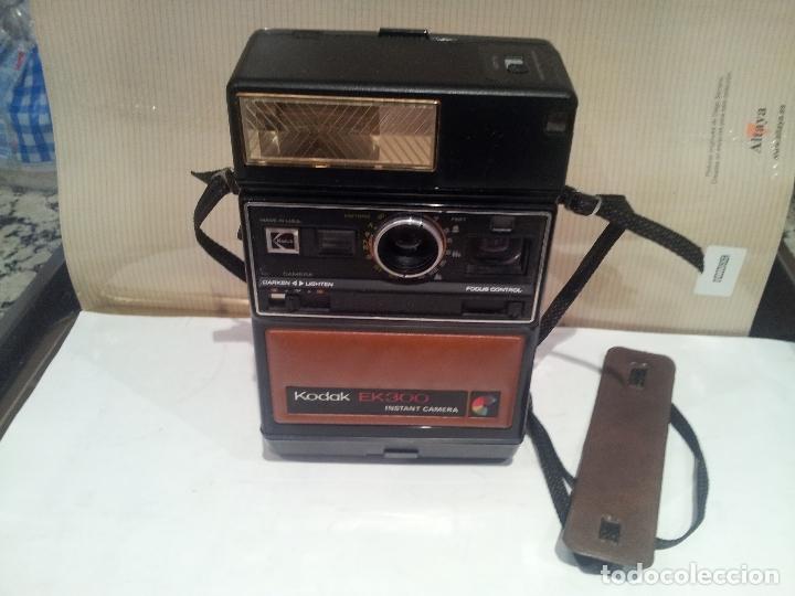 Cámara de fotos: camara de fotos kodak EK300 instant años 70 con su caja ver fotos - Foto 15 - 61429667