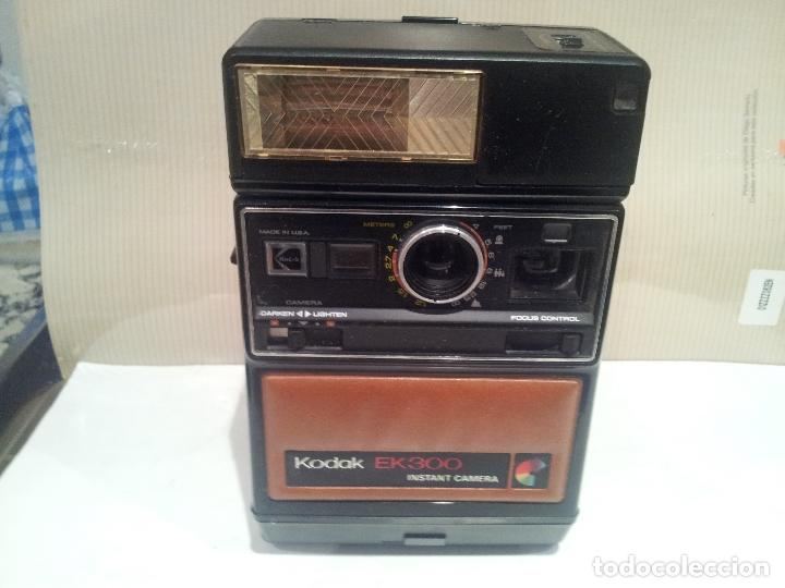 Cámara de fotos: camara de fotos kodak EK300 instant años 70 con su caja ver fotos - Foto 16 - 61429667