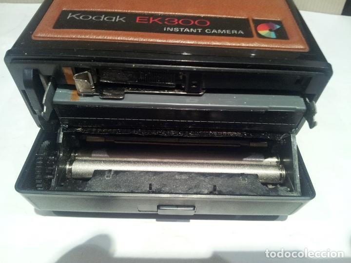 Cámara de fotos: camara de fotos kodak EK300 instant años 70 con su caja ver fotos - Foto 21 - 61429667