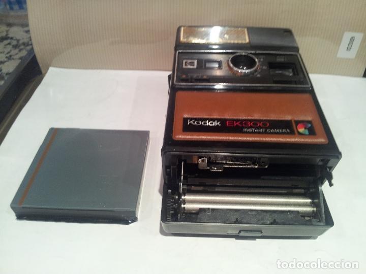 Cámara de fotos: camara de fotos kodak EK300 instant años 70 con su caja ver fotos - Foto 23 - 61429667
