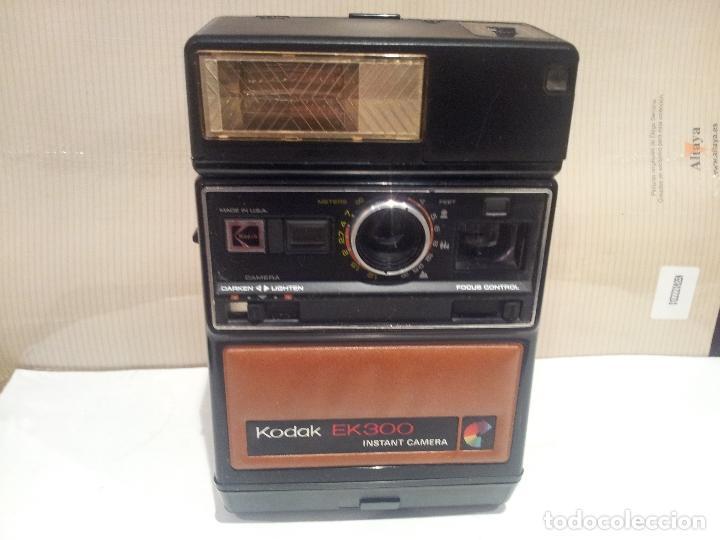 Cámara de fotos: camara de fotos kodak EK300 instant años 70 con su caja ver fotos - Foto 26 - 61429667