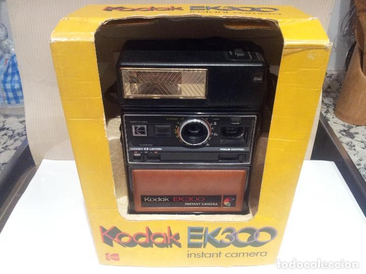 Cámara de fotos: camara de fotos kodak EK300 instant años 70 con su caja ver fotos - Foto 29 - 61429667