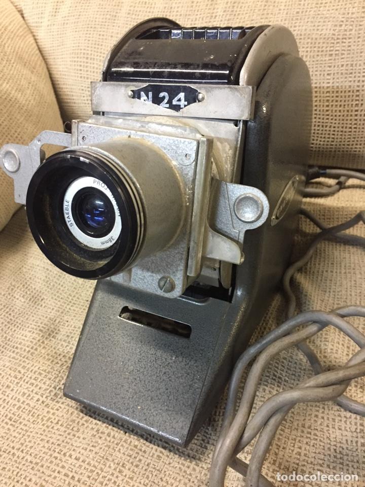 Cámara de fotos: Genial PROYECTOR DIAPOSITIVAS UNOSCOP FOCAL. Años 60 FUNCIONANDO - Foto 3 - 72724381
