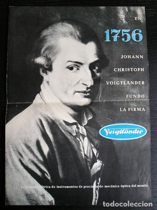 VOIGTLÄNDER - DÍPTICO CÁMARAS Y PROYECTORES EN ESPAÑOL – AÑOS 1960 (Cámaras Fotográficas - Catálogos, Manuales y Publicidad)