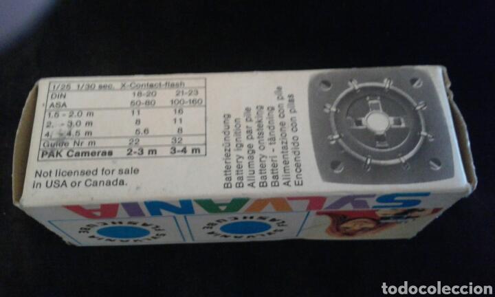 Cámara de fotos: Caja antigua flash Sylvania con 3 flash - Foto 2 - 87549202